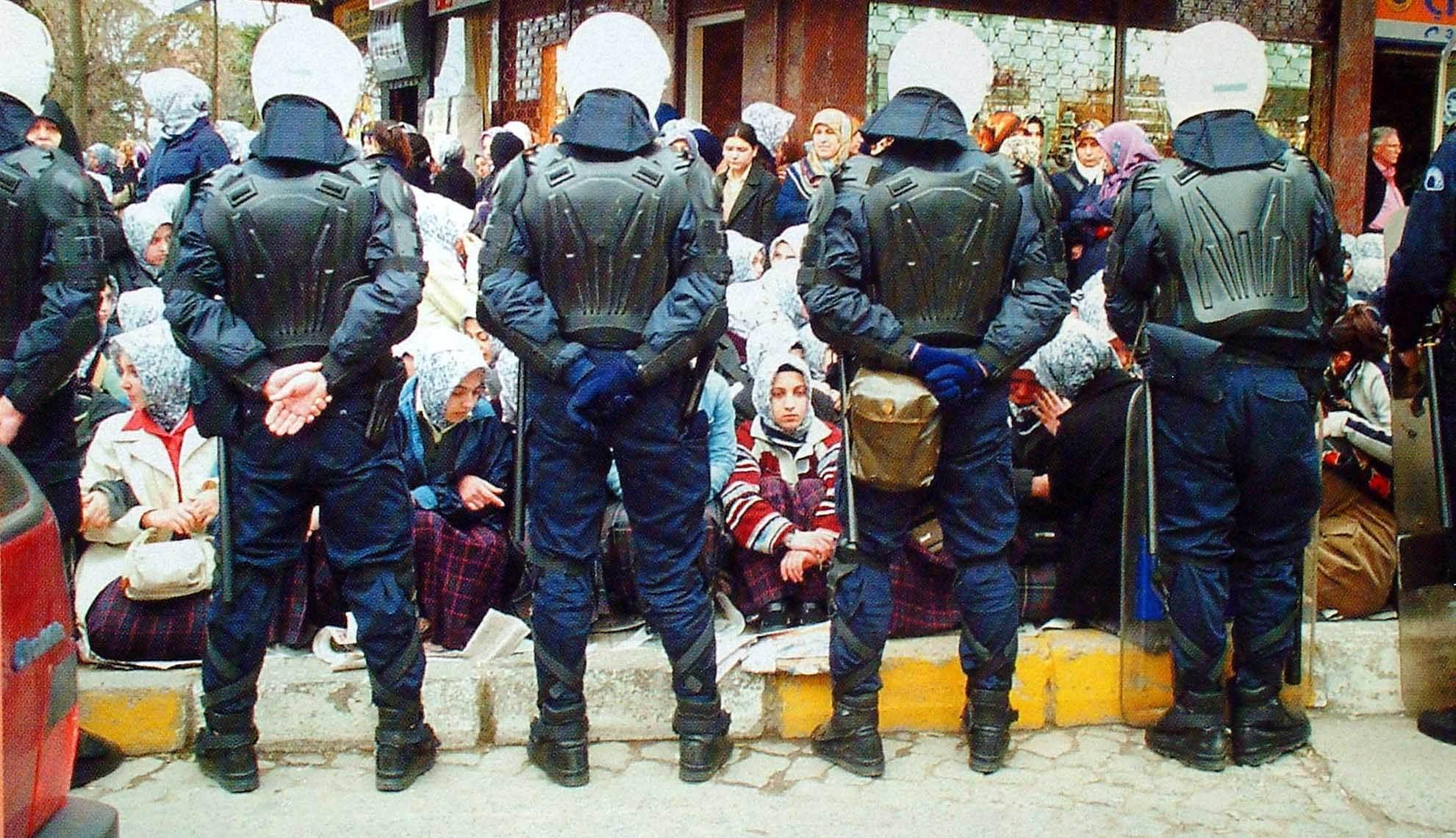 20090628_derin_dusunce_org_basortusu_yasagi